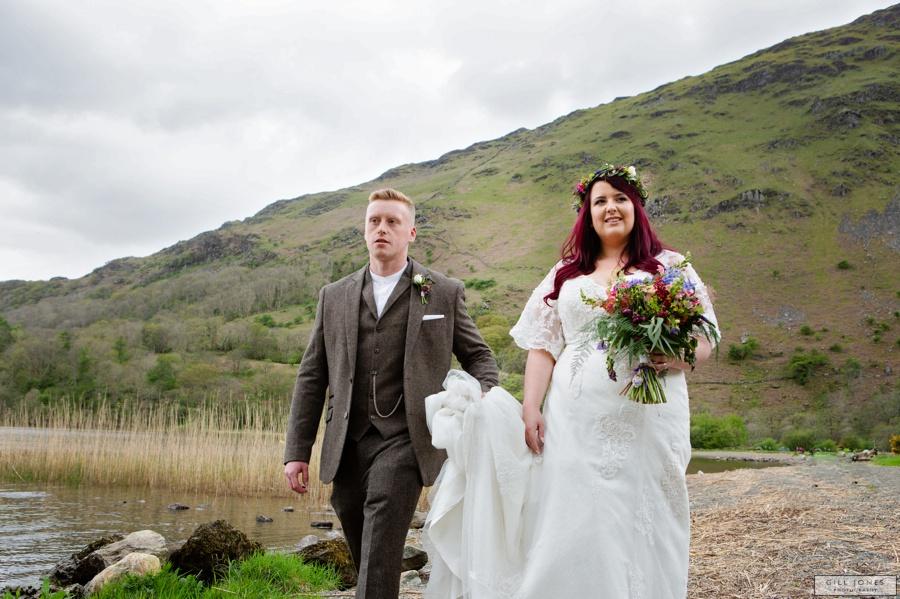 A Spring time wedding at Llyn Gwynant Barns