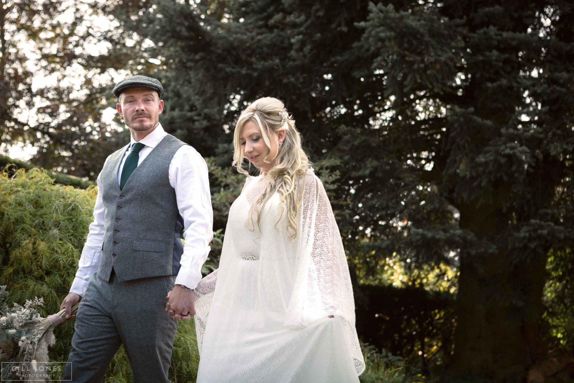 more lacing of wedding dress